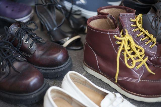 修理に出された革靴